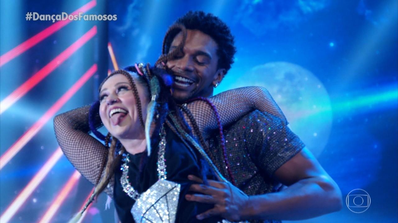 Guta Stresser dança 'Coração Bobo' com Macus Lobo