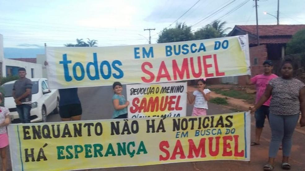 Família e amigos fizeram manifestação — Foto: Arquivo Pessoal