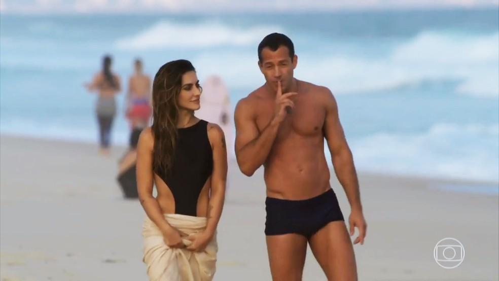 Tamara (Cleo) fica encantada com os valores de Apolo (Malvino Salvador) - 'Haja Coração' — Foto: Globo