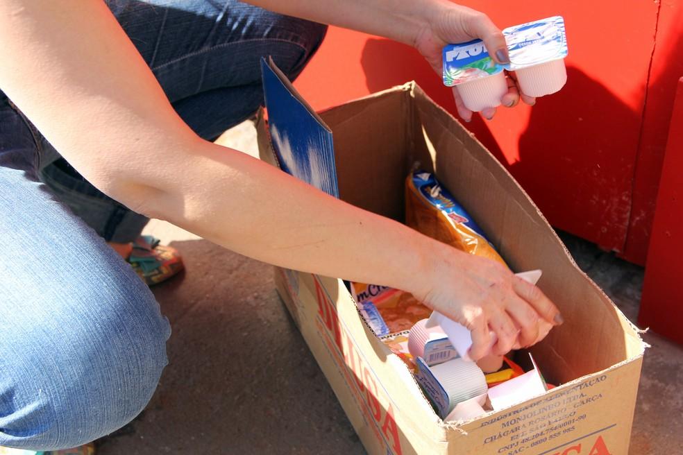 Quem quiser ajudar, pode levar doações ao local (Foto: Fabio Rodrigues/G1)