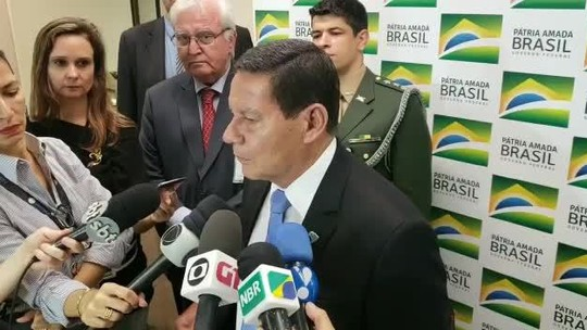Governo precisa conquistar 'corações' de parlamentares, diz Mourão sobre Previdência