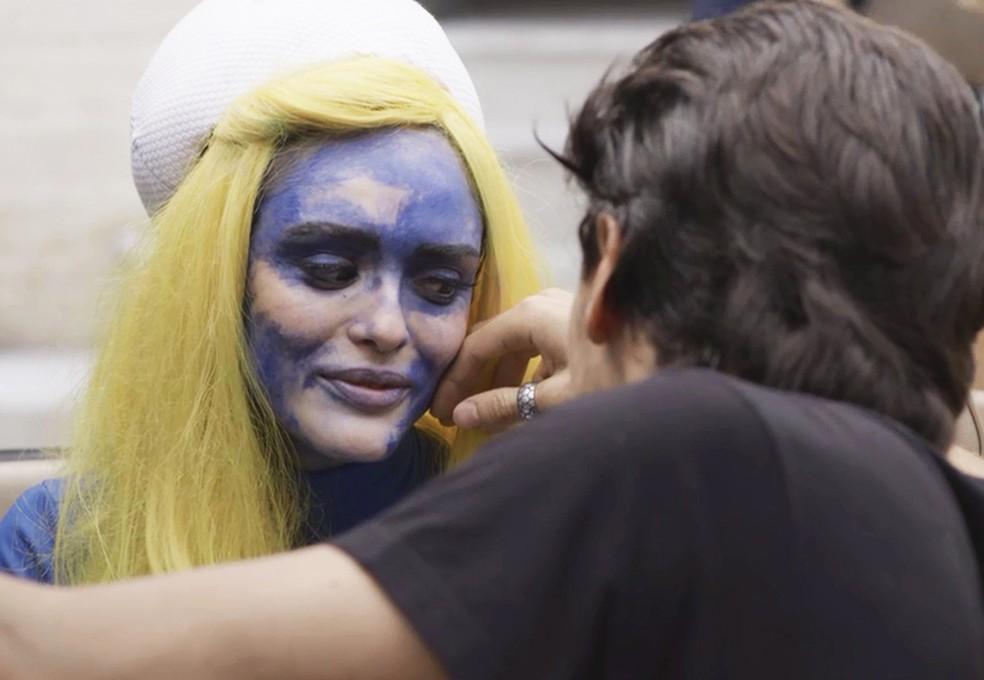 Jerônimo (Jesuíta Barbosa) joga charme para Manuzita (Isabelle Drummond) em 'Verão 90' — Foto: TV Globo