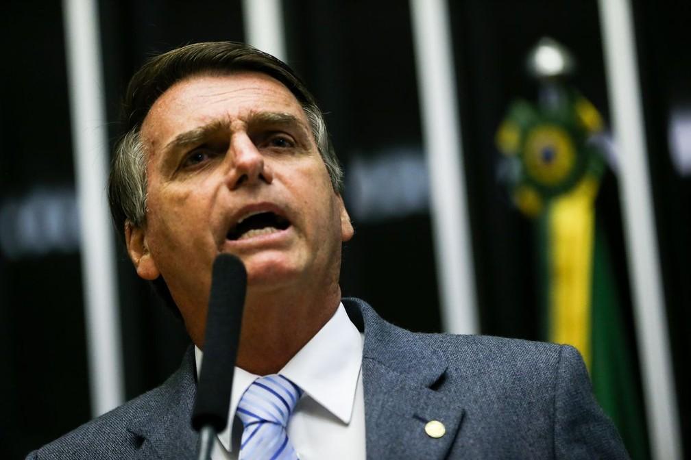 O presidente eleito, Jair Bolsonaro (PSL), discursa na Câmara dos Deputados, onde permaneceu por sete mandatos consecutivos — Foto: Marcelo Camargo/Agência Brasil