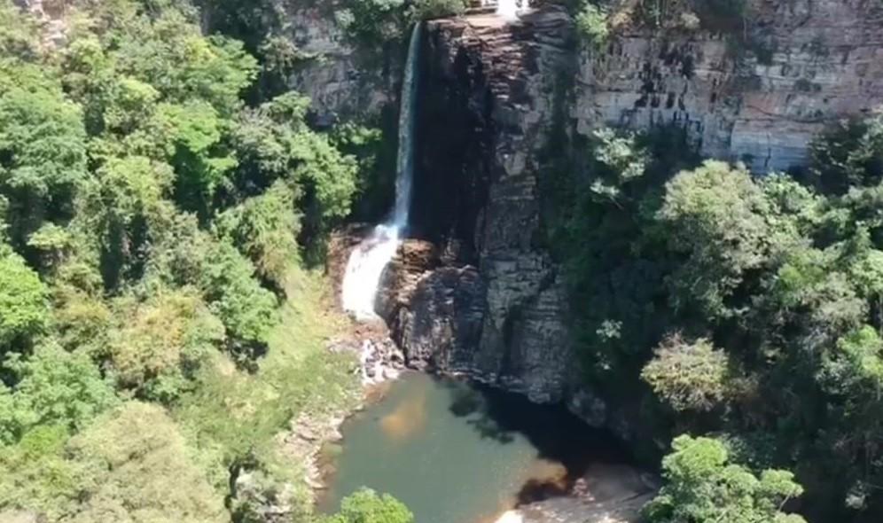Jovem morre após cair de cachoeira em Guarda-Mor