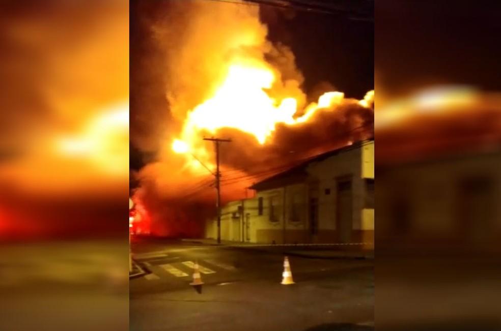 Supermercado ficou destruído após incêndio em Tietê (SP) — Foto: Arquivo Pessoal