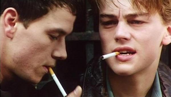 Leonardo DiCaprio e Mark Wahlberg em cena de Diário de Um Adolescente (1995) (Foto: Reprodução)