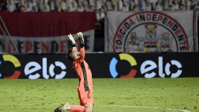 Volpi comemora gol do São Paulo no jogo contra o Flamengo