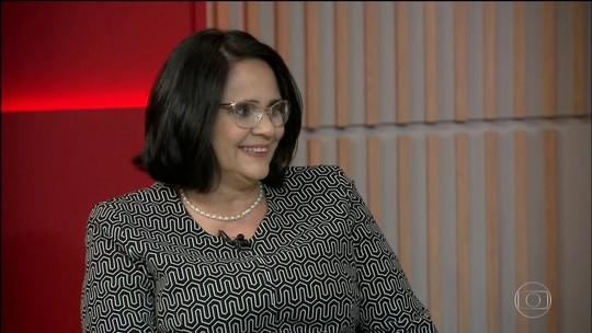 Damares Alves: conheça a história da ministra que se envolveu em polêmicas