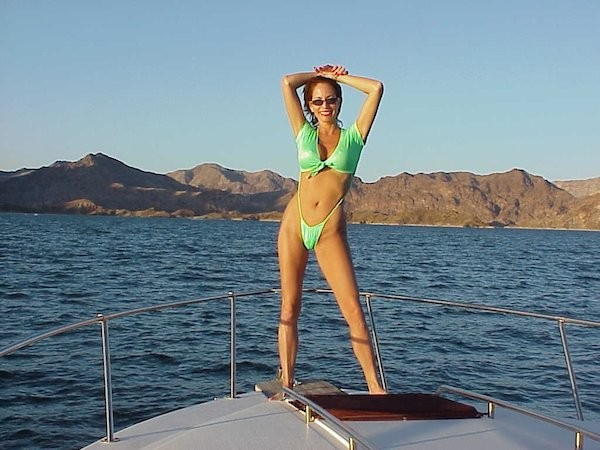 A atriz e modelo Robbin Young (Foto: Twitter)