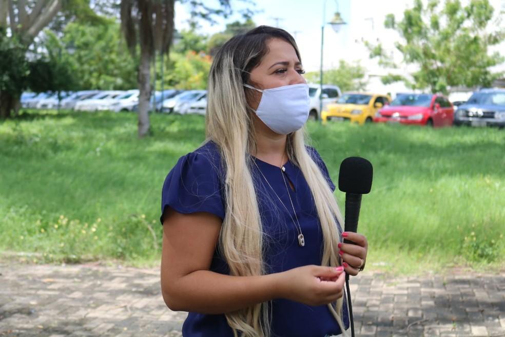 Samanta Dourado, que encontrou o menino em um posto de combustíveis em Teresina. — Foto: Naftaly Nascimento/G1 Piauí