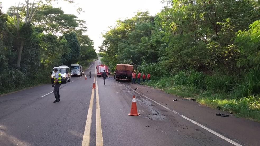 Colisão frontal resultou na morte do condutor do carro — Foto: Polícia Rodoviária