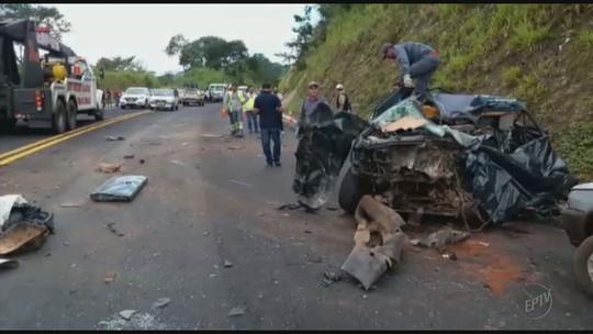 Motorista de caminhonete morre em batida após ultrapassagem proibida na MG-050, em Passos, MG