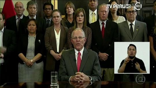 Presidente do Peru renuncia antes de Congresso votar impeachment