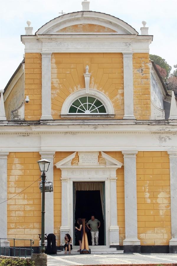 Detalhe da capela onde Bee Shaffer e Francesco Carrozzini se casaram na Itália (Foto: AKM-GSI)