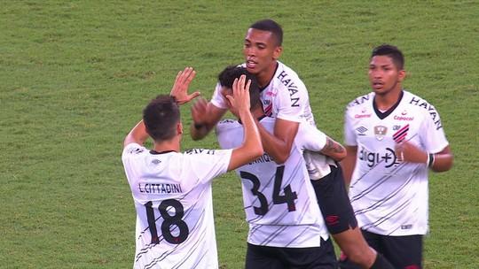 Veja os gols da vitória do Furacão sobre o Fluminense no Maracanã