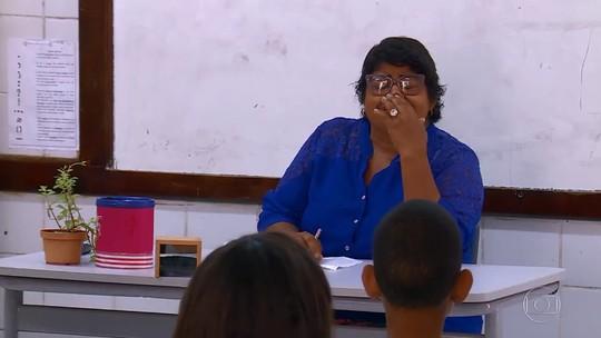 'Dia do Professor': Tia Jaciara recebe homenagem emocionante de alunos no 'Caldeirão'; reveja