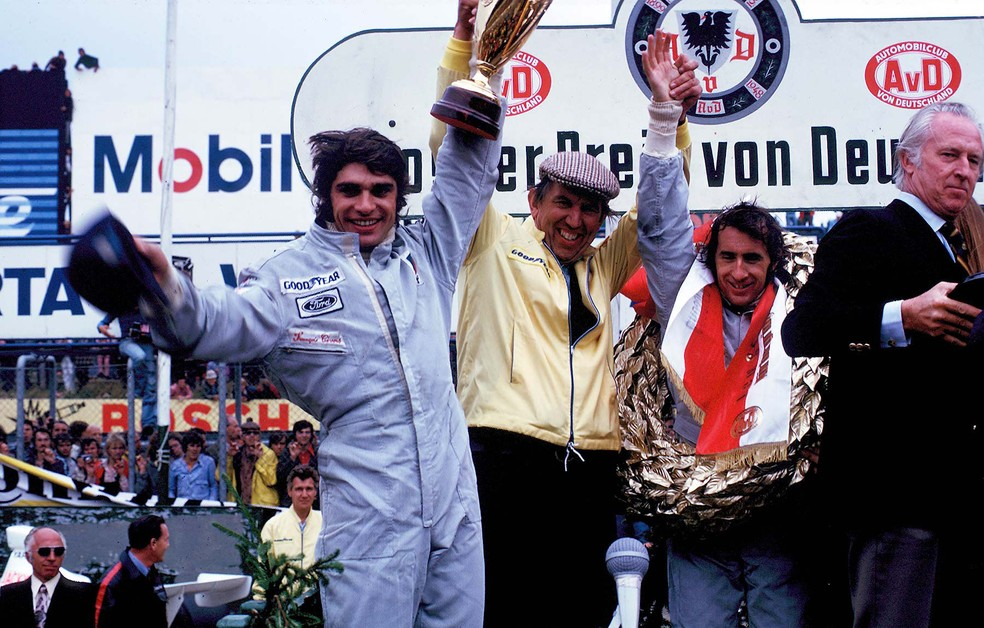 François Cevert, Ken Tyrrell e Jackie Stewart em 1973 — Foto: Reprodução