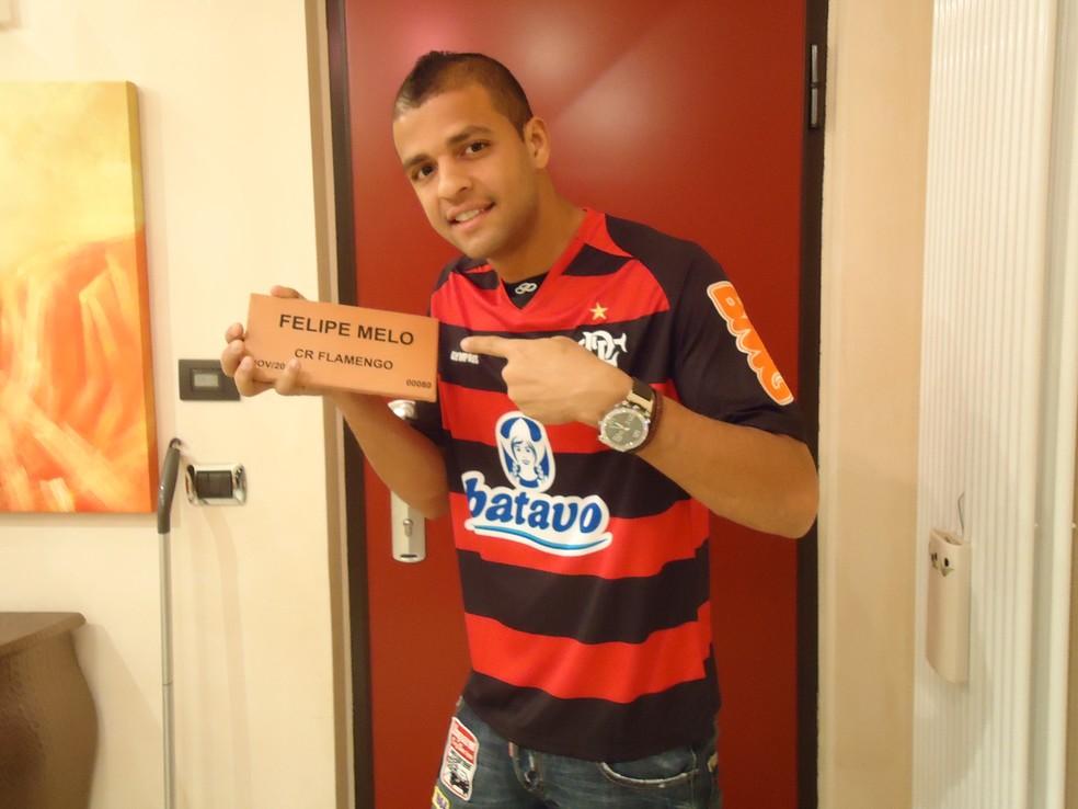 Felipe Melo com a camisa do Flamengo — Foto: Divulgação