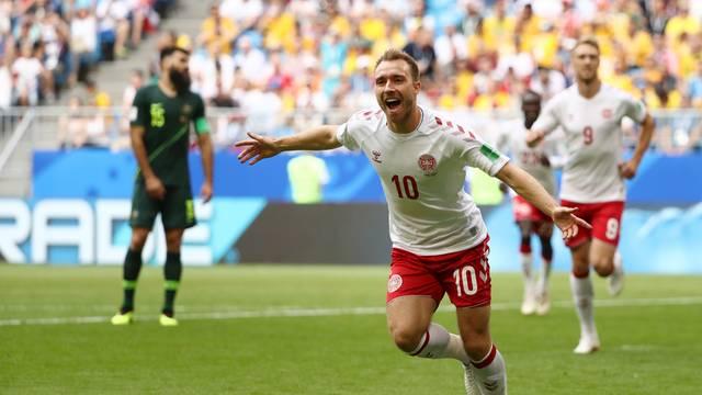 Eriksen comemora gol pela Dinamarca