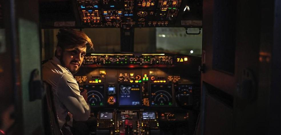 Luan Santana lançou clipe de 'Check in' com promoção para fãs em voo (Foto: Divulgação)