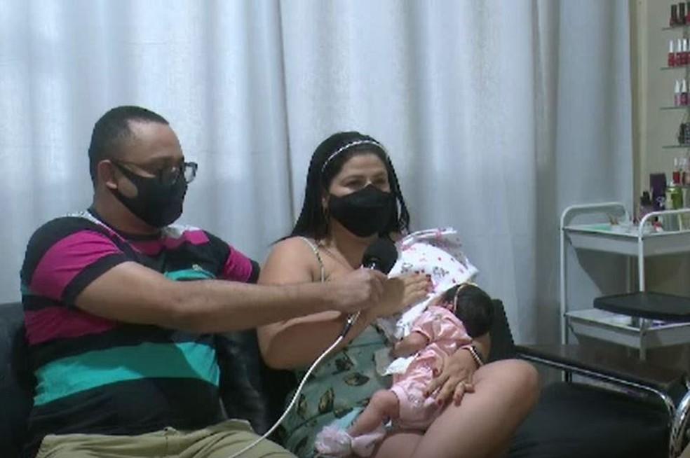 Os pais contaram que não sabiam que a mãe tinha contraído a doença  — Foto: Reprodução/Rede Amazônica Acre