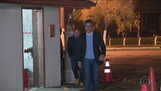 Empresário admite que vídeo dele com dinheiro era pagamento irregular para campanha de Beto Richa