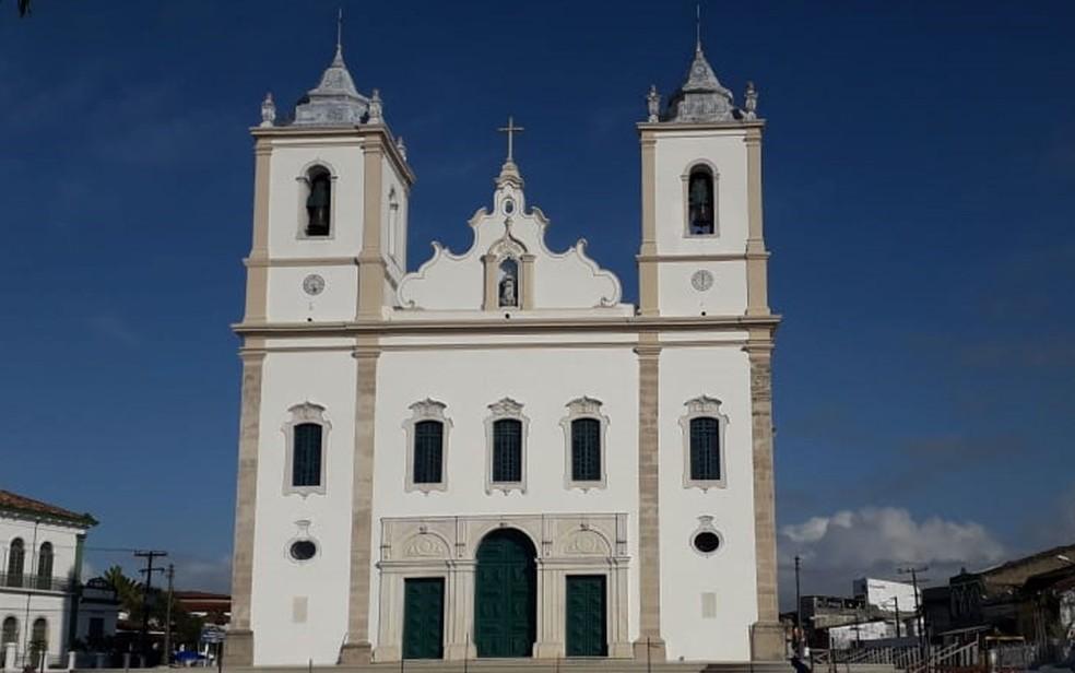 Fachada da Igreja Matriz de Nossa Senhora da Purificação, em Santo Amaro, após restauração  — Foto: Samuel Barboza/PASCOM Purificação