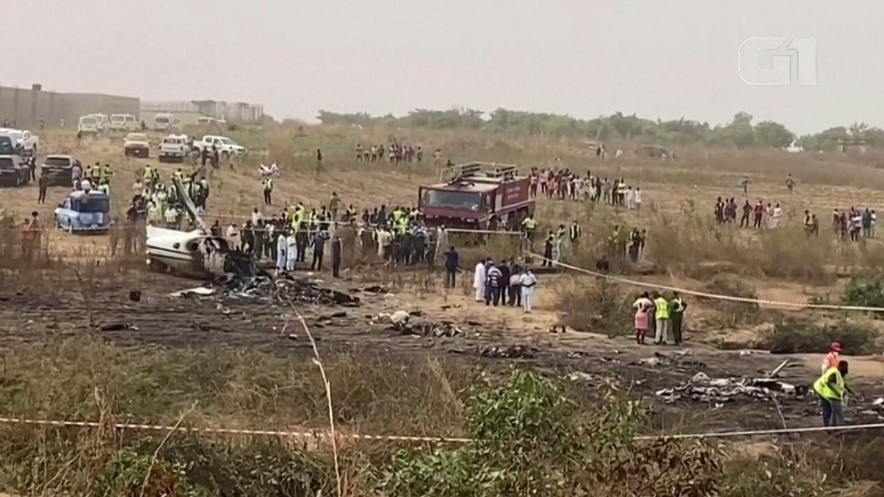 VÍDEO: Avião militar cai na Nigéria e deixa mortos