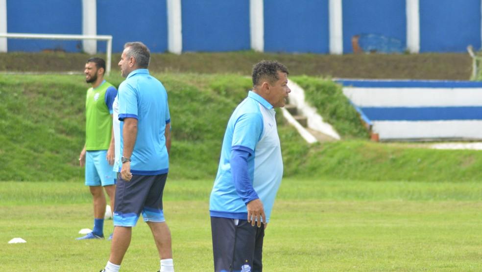 Jacozinho vai comandar a equipe na reta final do Brasileirão — Foto: Augusto Oliveira/Ascom CSA