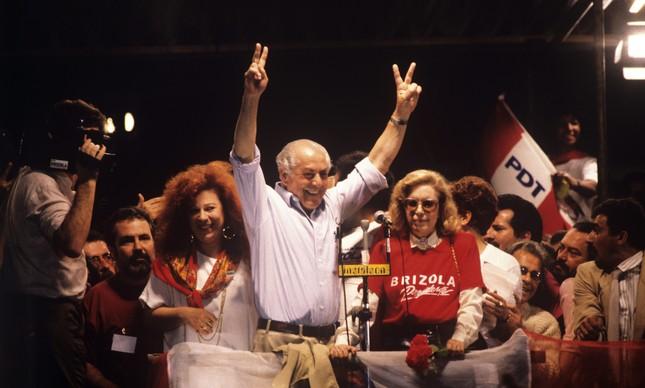 Beth Carvalho, Leonel Brizola e Dona Neuza na campanha de 1989