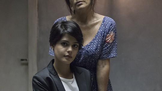 Gloria Pires e Julia Dalavia revelam preparação para cena emocionante de 'O Outro Lado do Paraíso'