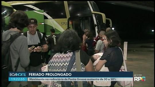 Movimento na rodoviária de Ponta Grossa aumenta de 30 a 50% durante feriado prolongado