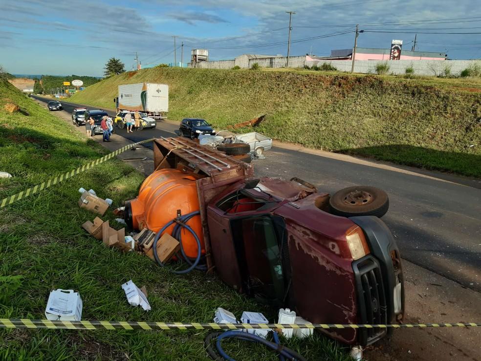 Motorista de carro morre após acidente na PR-280, em Pato Branco — Foto: Imagens cedidas/ Altair Merlo/ Rádio Itapuã