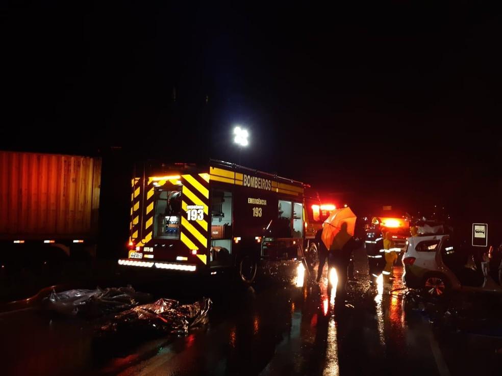 Acidente deixa rodovia no Norte de SC interditada — Foto: IGP/ Divulgação