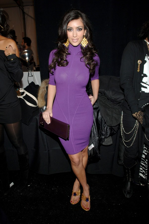 Kim Kardashian: look roxo (Foto: Getty Images)