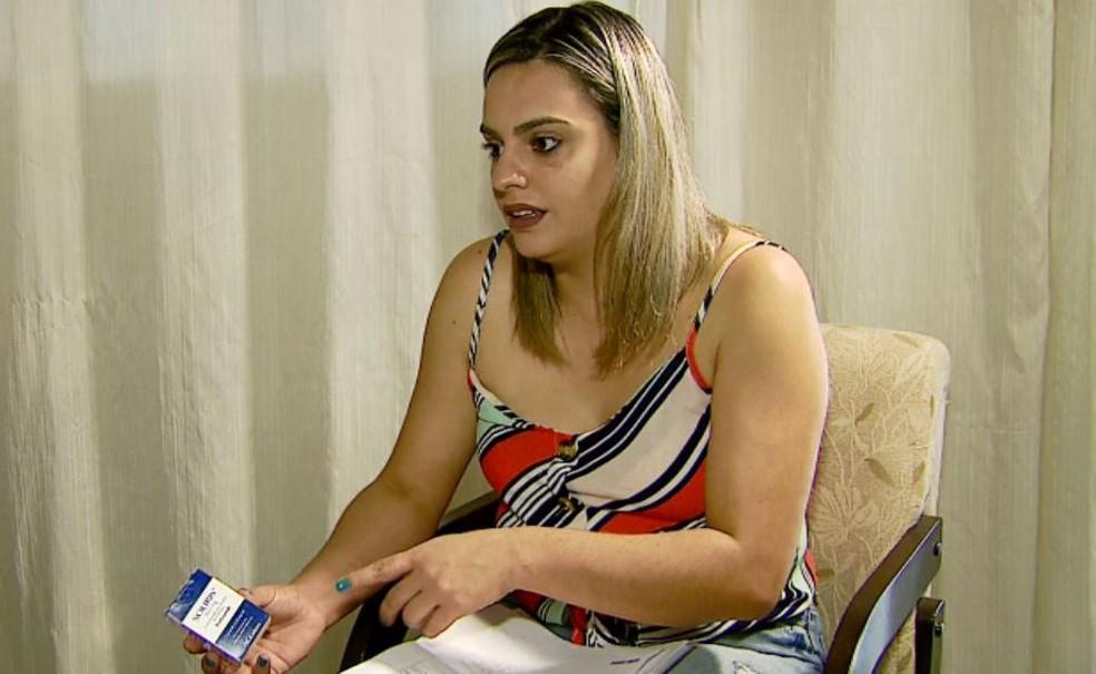 Carla Iotti Pestana da Silva, mãe de João, fala sobre a importância do medicamento — Foto: Ely Venâncio/EPTV