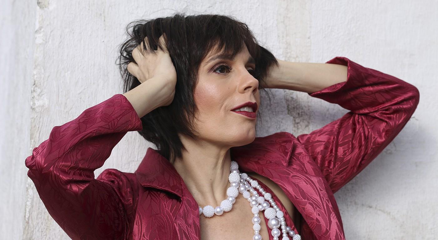 Mariana Baltar atinge a maioridade ao dar voz a Aldir Blanc em álbum com o conjunto Água de Moringa - Notícias - Plantão Diário