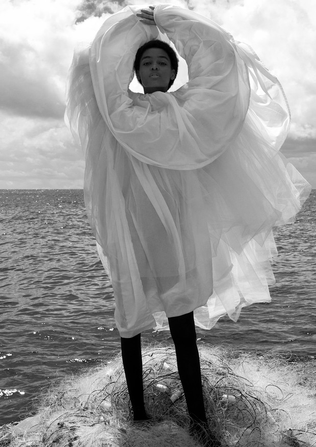 Vestido, Molly Goddard. (Foto: Zee Nunes)