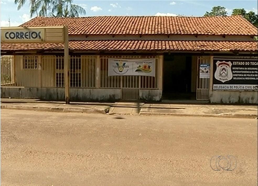 Delegacia foi desativada  em Crixás (Foto: Reprodução/TV Anhanguera)