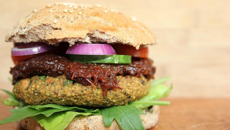 Alimentos plant-based, alternativas vegetais, vegetais e supermercado (Foto: Pixabay)