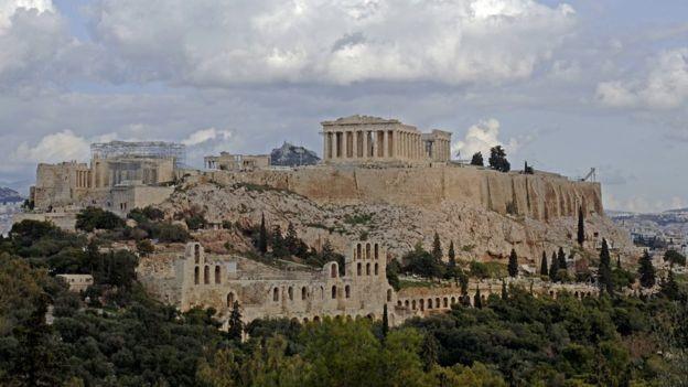 A Grécia levou mais tempo que a Alemanha e a Hungria para controlar a hiperinflação (Foto: BBC)