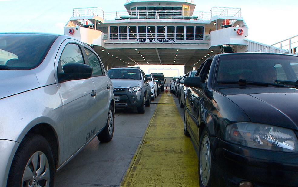 Ferry tem movimento tranquilo neste sábado (Foto: Reprodução/ TV Bahia)