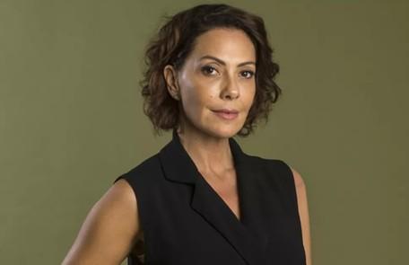 Na terça-feira (24), Nana se assustará ao acordar na casa de Mário (Lucio Mauro Filho), sem saber se dormiu com o editor TV Globo