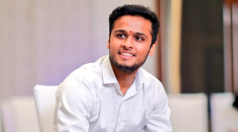 Hitarth Dholakia, filho mais novo de bilionário (Foto: Reprodução)