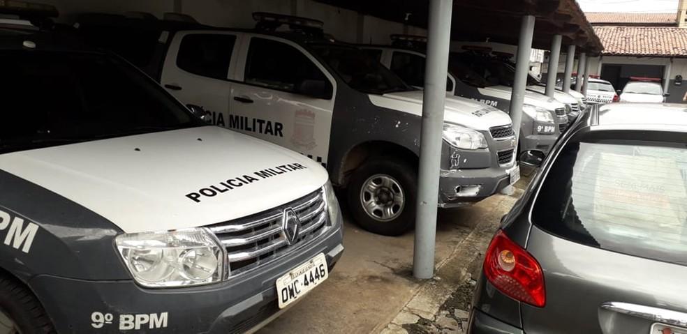 Viaturas do 9º Batalhão da PM não saíram às ruas na manhã desta segunda-feira (17) — Foto: Klênyo Galvão/Inter TV Cabugi