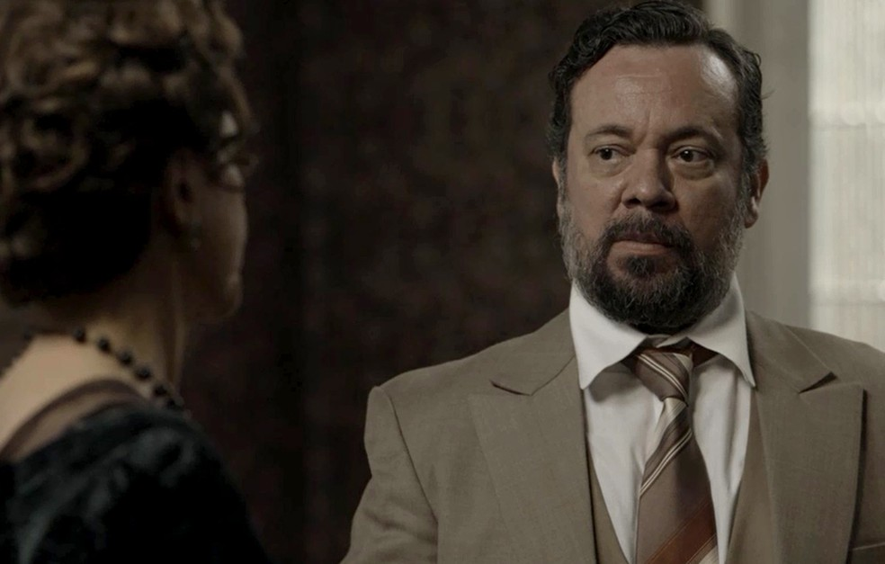 Delegado Kléber promete ajudar Lady Margareth (Foto: TV Globo)