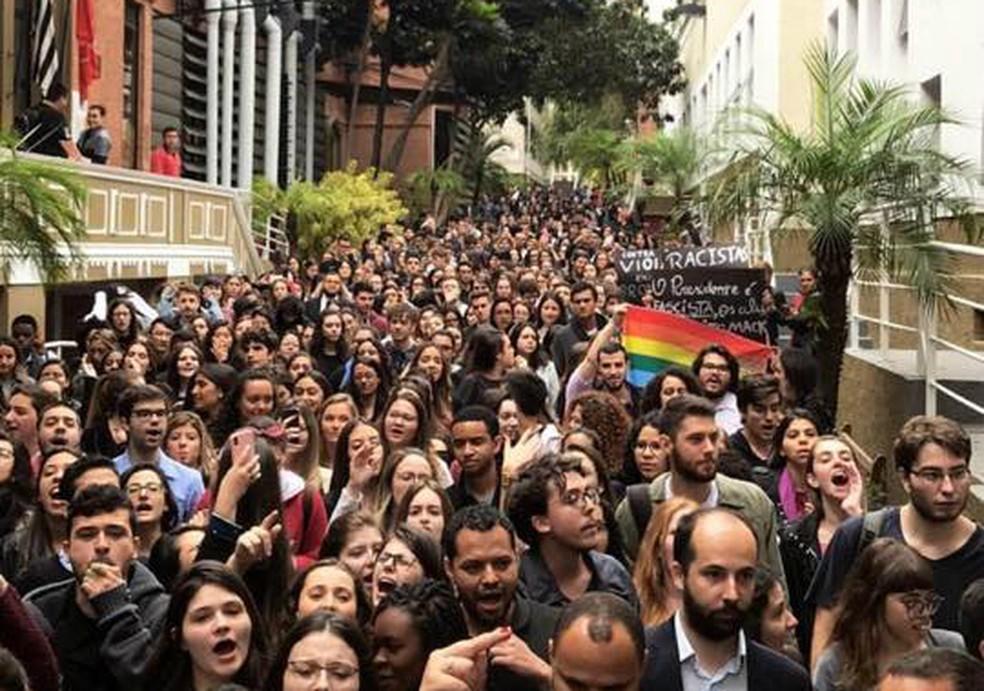 Estudantes do Mackenzie protestam em São Paulo contra racismo nesta terça-feira (30) em São Paulo — Foto: Arquivo pessoal/Coletivo Negro Afromack