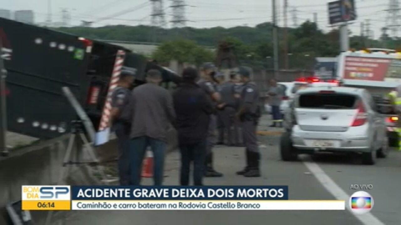 Acidente na Rodovia Castello Branco deixa duas pessoas mortas