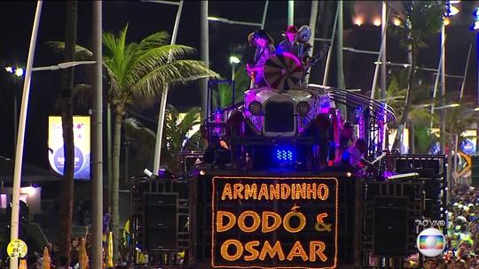 Carnaval em Salvador começa oficialmente com mistura de ritmos