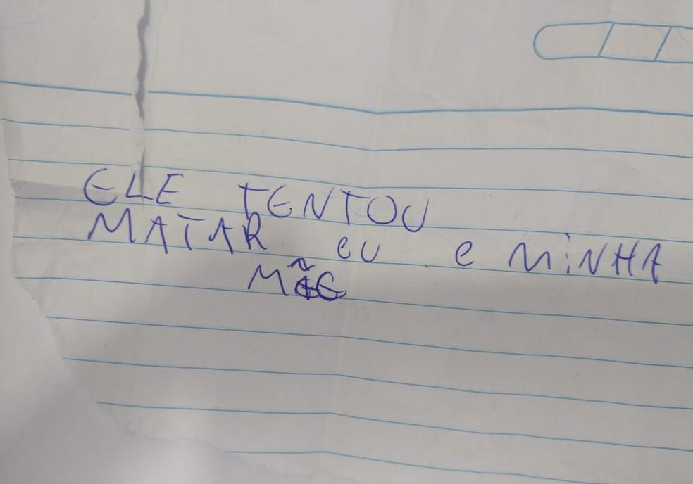 Uma das vítimas entregou o bilhete à polícia durante a abordagem — Foto: Polícia Civil/Divulgação